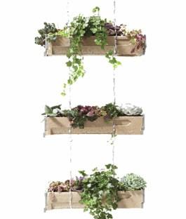 Verticaal hangende bloembakken binnen