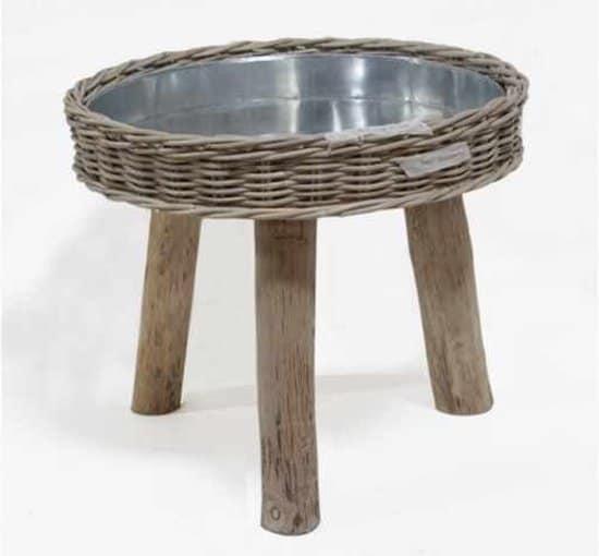 Rotan plantentafel voor een rustieke look