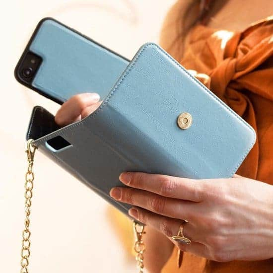 Leukste vegan iphone hoesje voor dames: Selencia Clutch iPhone 8 / 7 / 6(s)