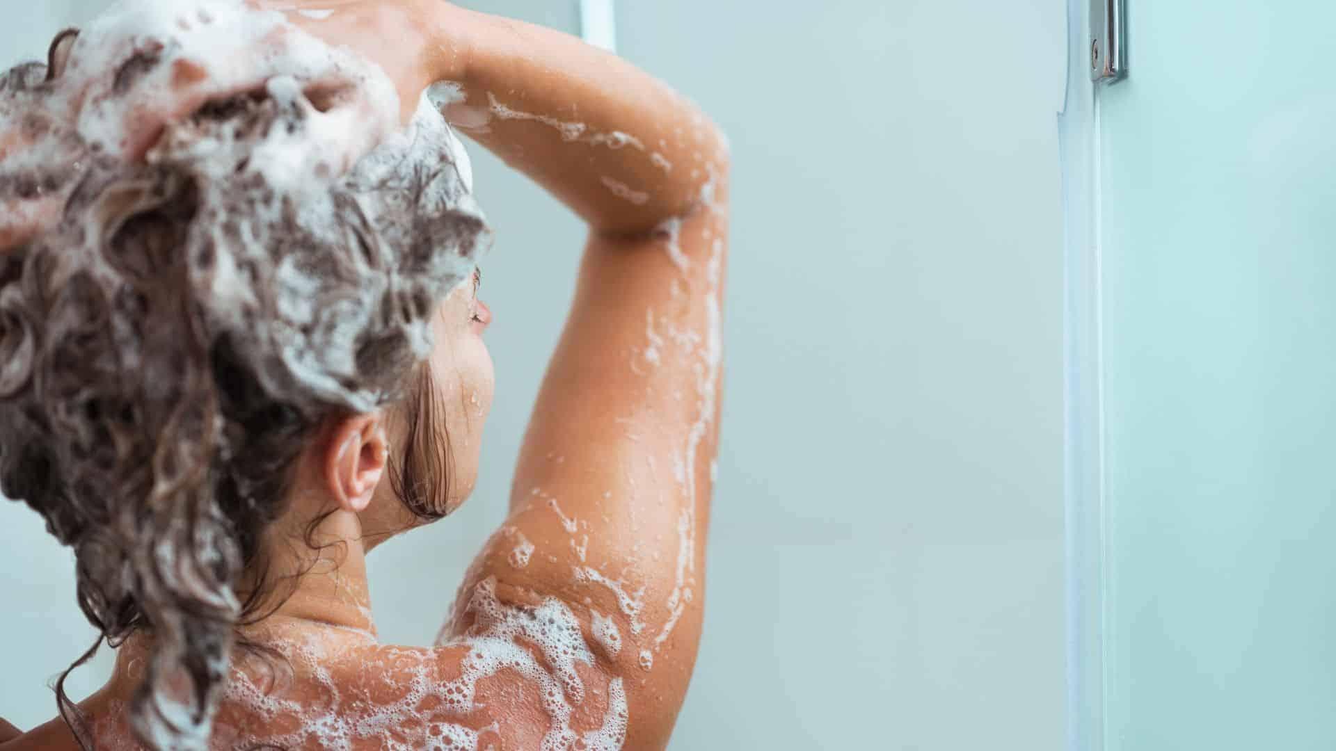 Bespaar-energie-met-kortere-douches