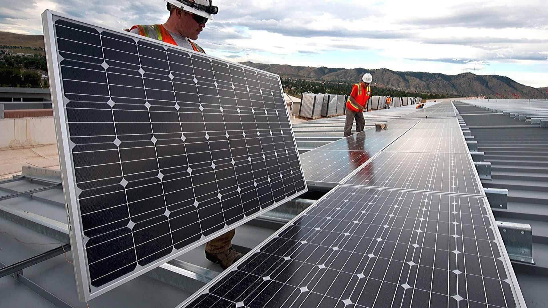 Wat zijn duurzame energiebronnen? 9 voorbeelden & tips voor thuis